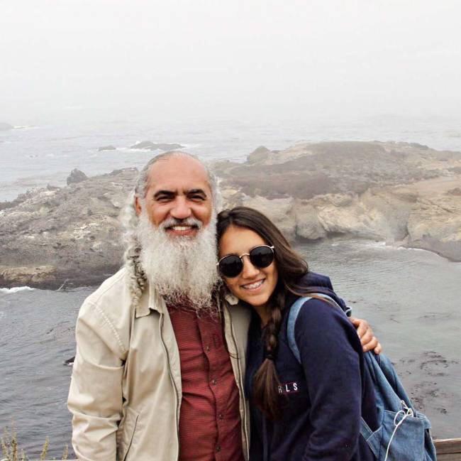 Prem Baba Kızı ile